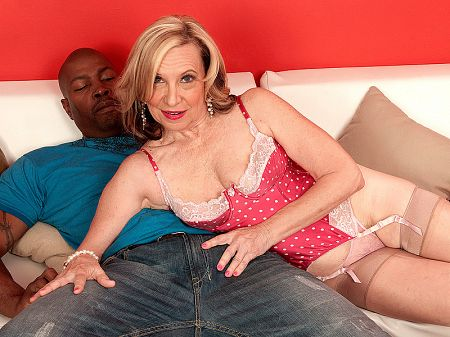 Miranda Torri - XXX MILF video