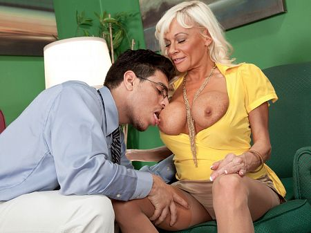 Farrah Rose - XXX MILF video