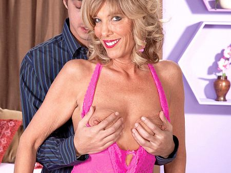 Shannon West - XXX MILF video