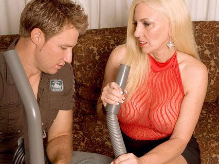 Cala Craves - XXX MILF video