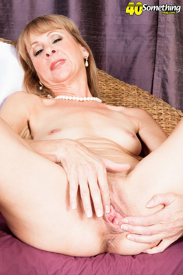 Patsy - Solo MILF photos