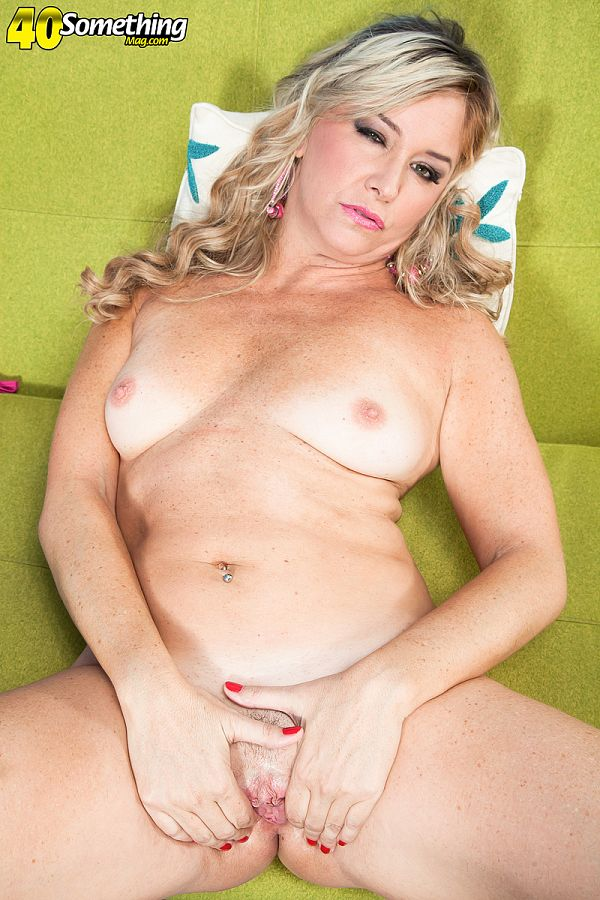 Angela Harley - Solo MILF photos