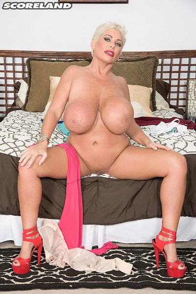 Claudia Marie - Solo Big Tits photos