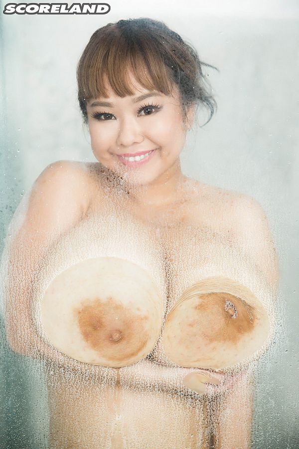P-Chan - Solo Big Tits photos
