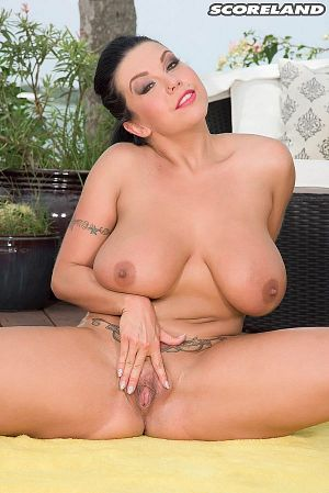 Sheridan Love - Solo Big Tits photos thumb
