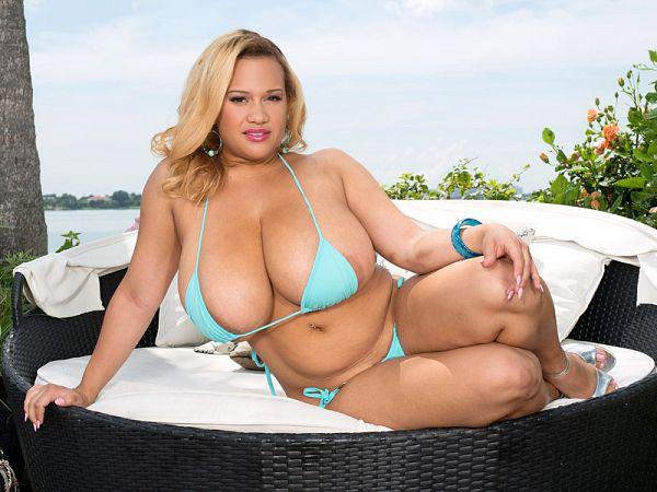 Liza Biggs - Solo Big Tits video
