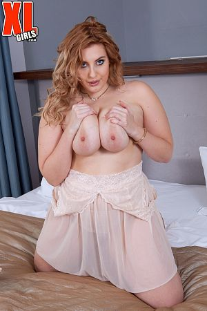 Ellie Roe - Solo BBW photos