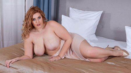 Ellie Roe - Solo BBW video