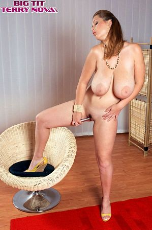 Terry Nova - Solo Big Tits photos thumb