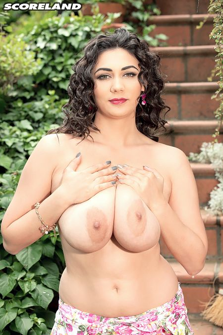 Alexya - Solo Big Tits photos