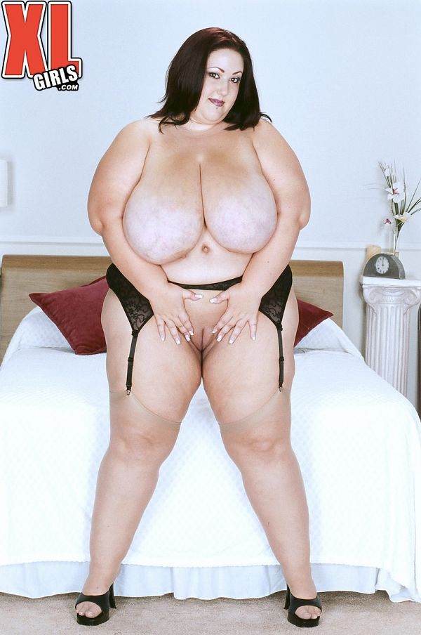 Monique - Solo BBW photos
