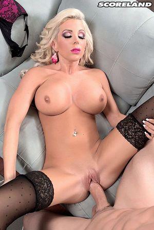 Savannah Stevens - XXX Big Tits photos thumb