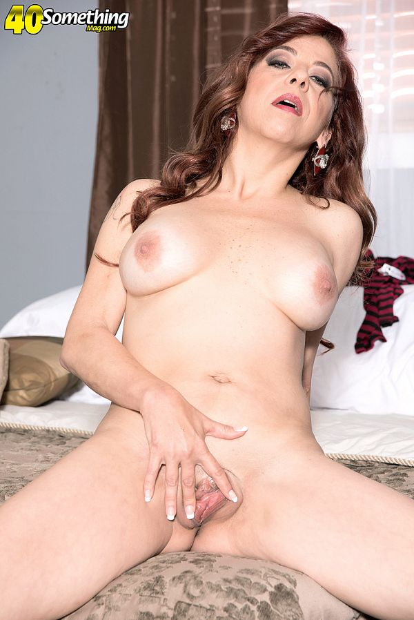 Jacquie James - Solo MILF photos