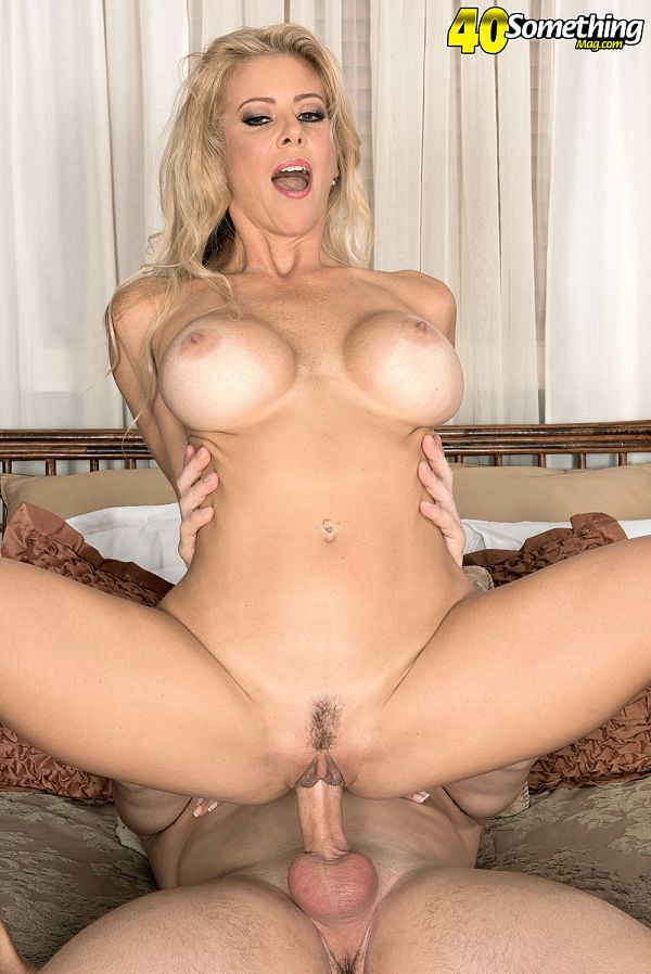 Alexis Fawx - XXX MILF photos