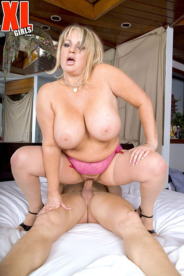 Wow Nikki - XXX BBW photos