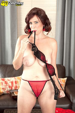 Susanna Adams - Solo MILF photos