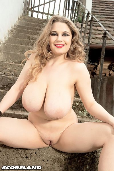 Larissa Linn - Solo Big Tits photos