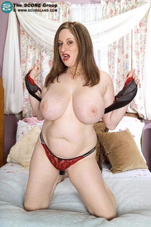 Kitty Lee -  BBW photos
