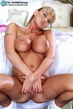 Lacy Love - Solo Big Tits photos