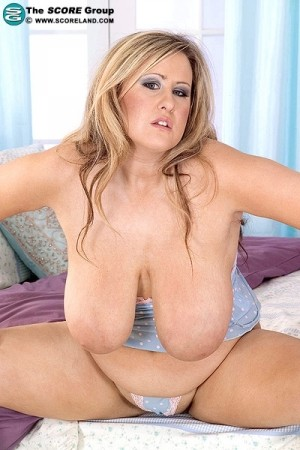 Leah Jayne -  Big Tits photos