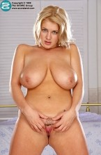 Linzi Cassidy -  Big Tits photos