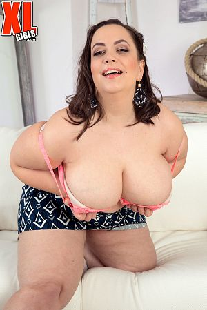 Mia Sweetheart - Solo BBW photos