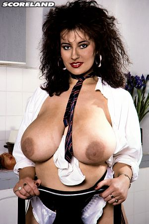 Lisa Phillips - Solo Big Tits photos