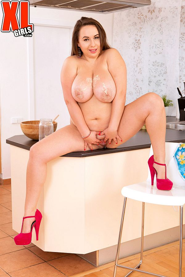 Monica Love - Solo BBW photos