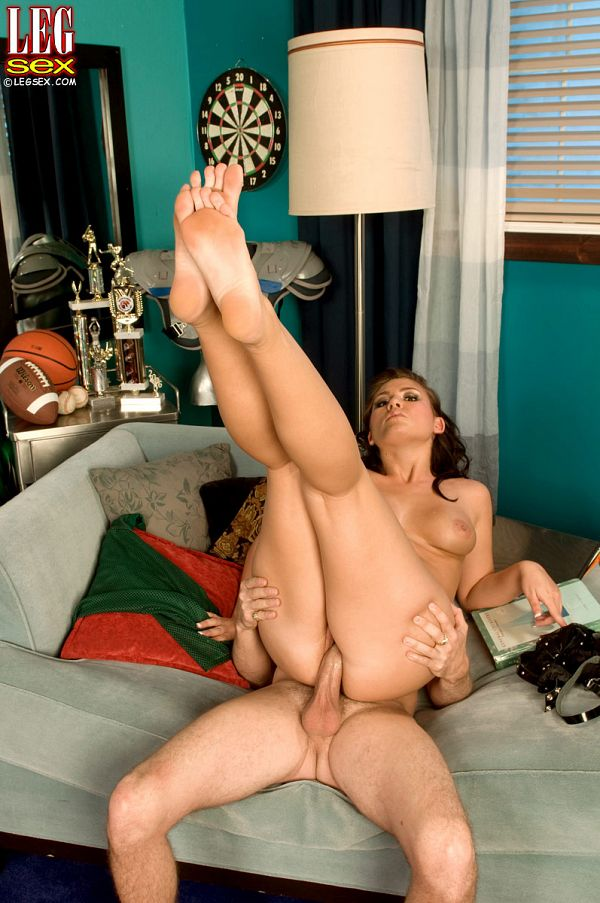 Miranda Kelly - XXX Feet photos