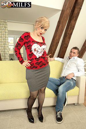 Veronique - XXX MILF photos