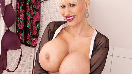 Sandra Star - Solo Big Tits video