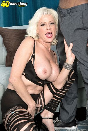 Madison Paige - XXX MILF photos