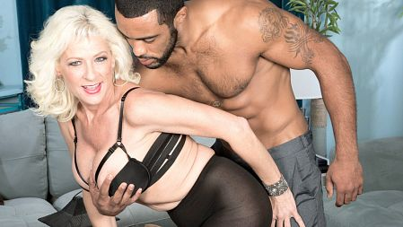 Madison Paige - XXX MILF video