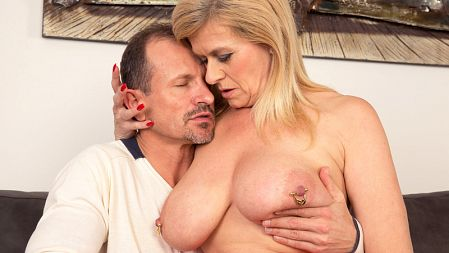 Marina Rene - XXX MILF video