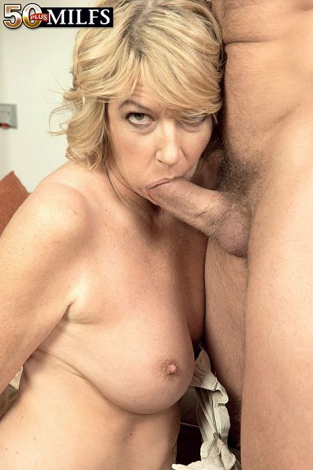 A British MILF's 1st time