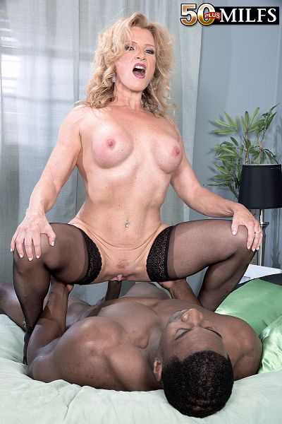 Amanda Verhooks - XXX MILF photos