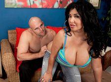 Latina goddess of tits & backside. Latina Goddess of breasts &