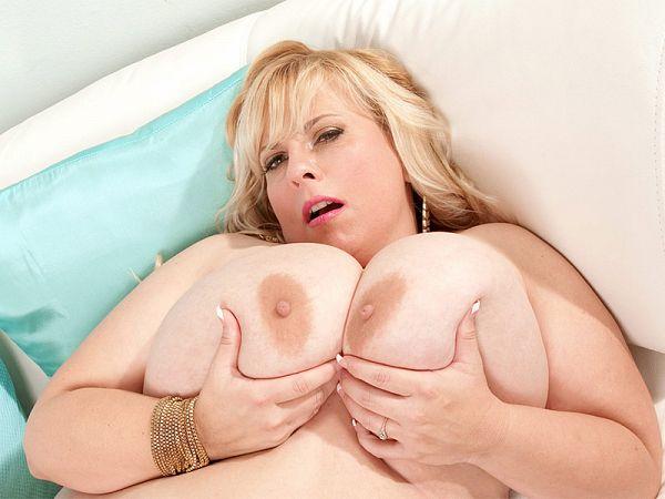 Sexy Cassie