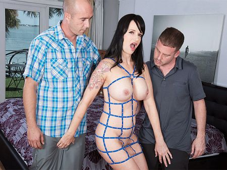 Angie Noir - XXX MILF video