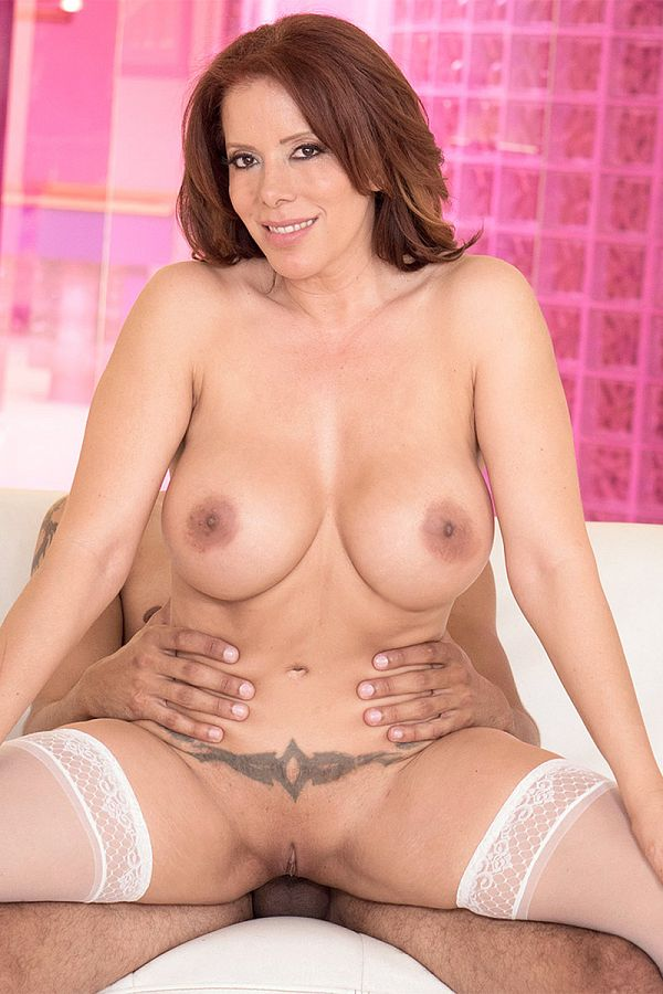 Nicky Ferrari - XXX MILF photos
