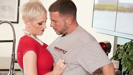 Kimber Phoenix - XXX MILF video