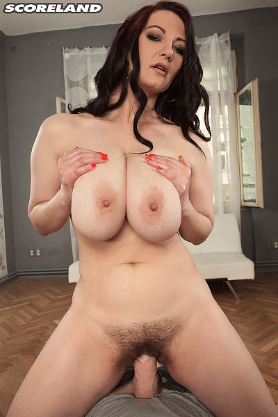 Vanessa Y. - Solo Big Tits photos