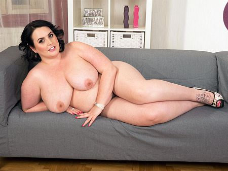 Sarah Jane - Solo BBW video