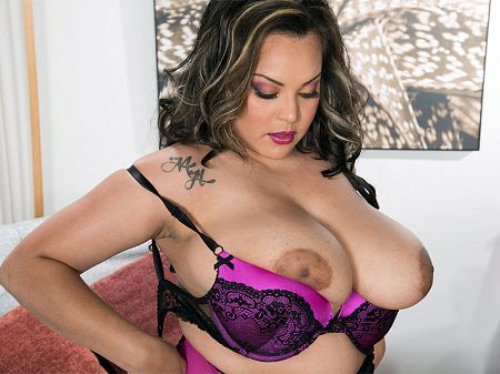Cat Bangles - Solo Big Tits video