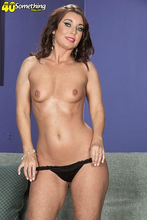 Honey White - Solo MILF photos