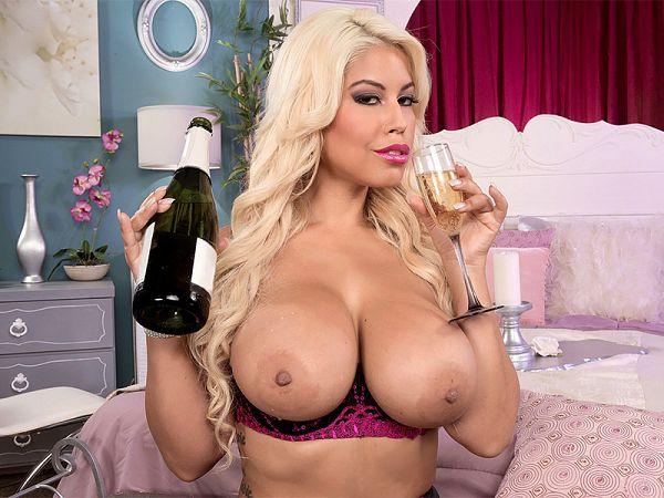 Blond, busty & bubbly