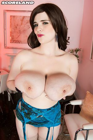 Tiggle Bitties - Solo Big Tits photos