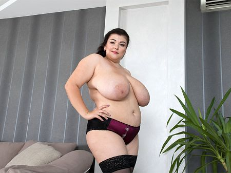 Mariya Mills - Solo BBW video
