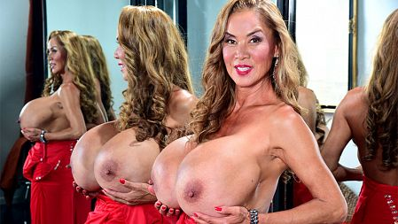 Minka - Solo Big Tits video