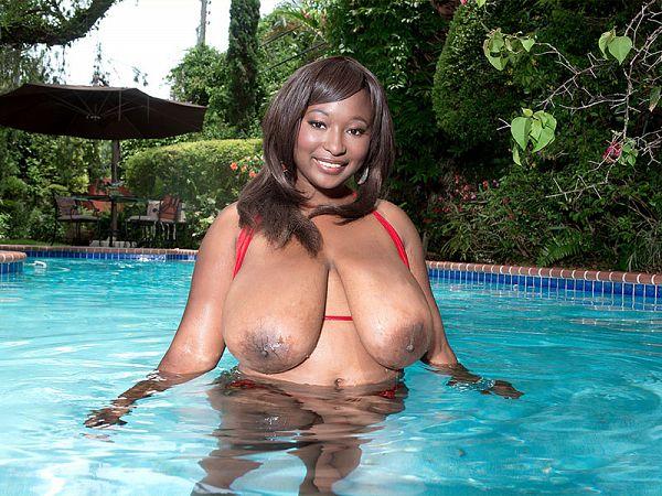 Marie Leone, bikini buster